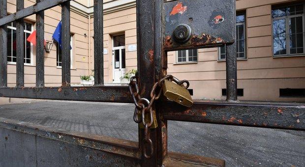 Coronavirus, scuole chiuse: Lombardia, Veneto e Friuli verso la riapertura lunedì. Elenco di quelle chiuse