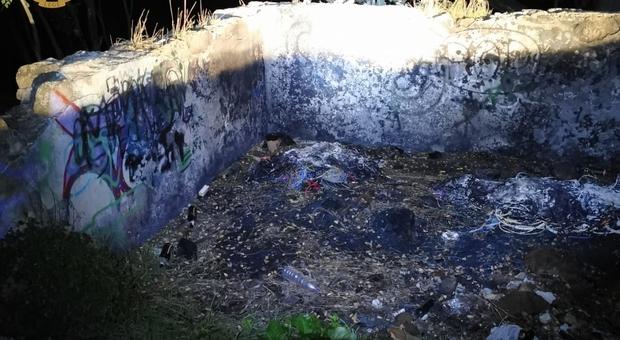 Appiccavano roghi tossici nel Parco della Caffarella: condannati a 1 anno e 4 mesi