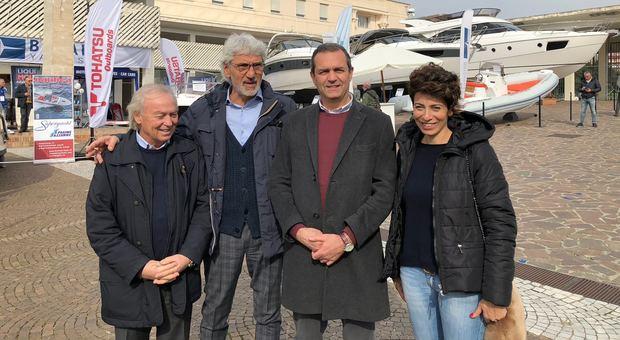 Da sinistra Gennaro Amato (Pres. ANRC), Giuseppe Oliviero (consigliere delegato Mostra d'Oltremare), il sindaco di Napoli Luigi De Magistris e Donatella Chiodo (Presidente Mostra Oltremare)