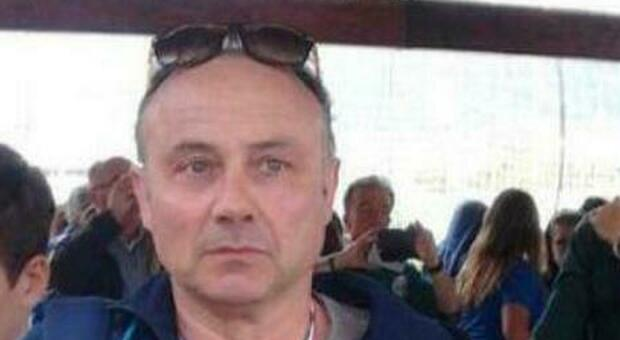 Infarto fatale a 56 anni mentre fa jogging, muore insegnante: tre città in lutto