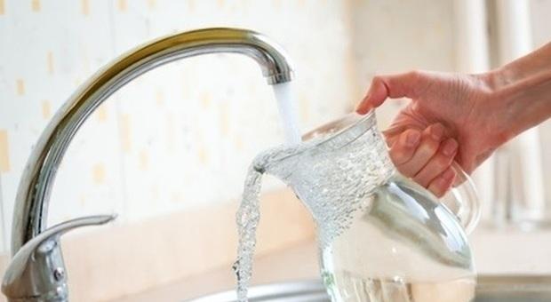 Tumore vescica, in UE più di 6mila casi collegati ai prodotti chimici presenti nell'acqua di rubinetto