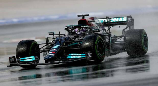 Lewis Hamilton con la Mercedes in Turchia