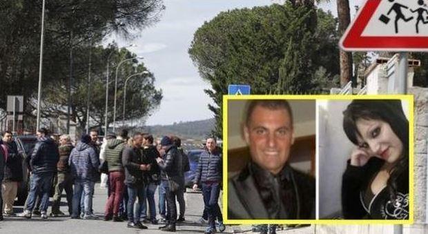Donna uccisa davanti alla scuola trovato il cadavere del marito
