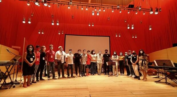 L'Orchestra della scuola media Dante Alighieri dell'Aquila