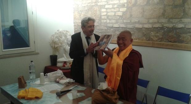 Ghesce Dorji Wangchuk e Giorgio Raspa, Presidente dell'Unione Buddhista Italiana