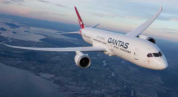 Decolla il volo più lungo del mondo e offre cibo piccante per tenere svegli i passeggeri