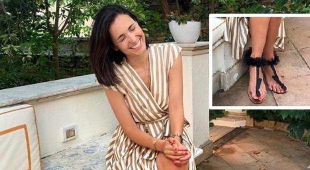 Caterina Balivo, su Instagram le foto dei piedi scatenano gli haters: «Come quelli di un uomo»