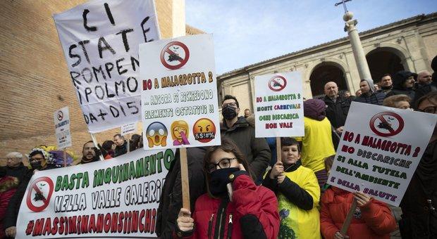 Roma, M5S dice no a discarica a Monte Carnevale: Virginia Raggi in minoranza