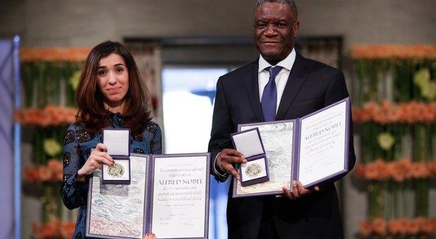 Il ginecologo congolese con Nadia Murad, la attivista yazida anch'essa Premio Nobel per la Pace
