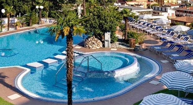 La piscina panoramica all'hotel Augustus