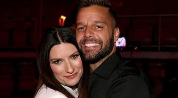 Amici, Laura Pausini abbraccia Ricky Martin e la De Filippi si arrabbia: «Sei una cafona»