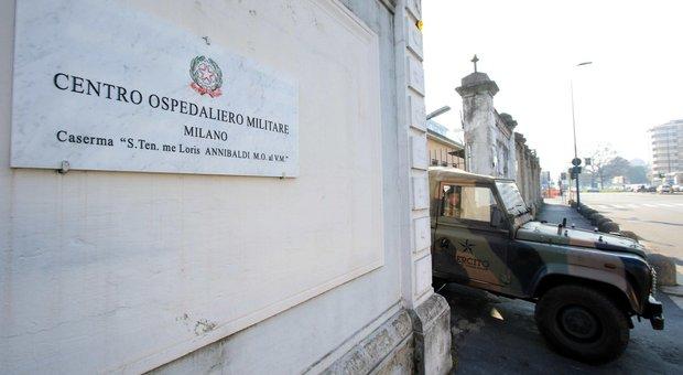 Coronavirus a Milano, Lega: «Sala chiuda le scuole». Il sindaco: no allarmismi. Anziano positivo al San Raffaele