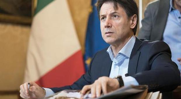 Il premier Conte crolla nei sondaggi: -11 punti. Taranto la carta per rilanciarsi