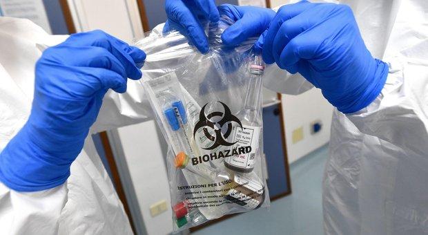 Coronavirus, quattro casi italiani durante la Sars e due di ebola: tutti guariti