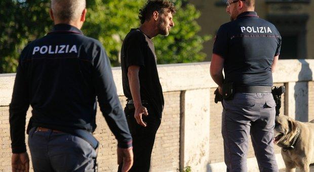 Un clochard sentito dalla polizia