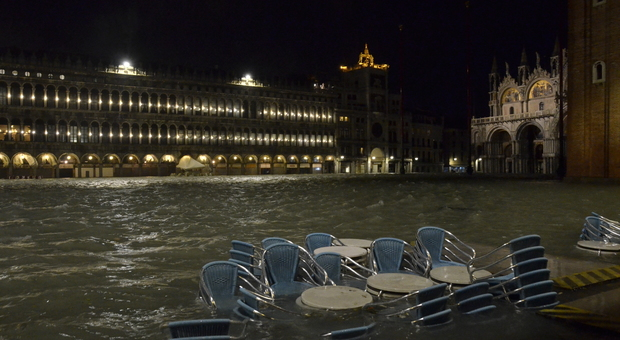 Piazza San Marco martedì 12 sera