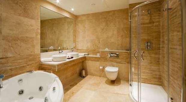 Le piastrelle per la stanza da bagno: scegliere quelle perfette