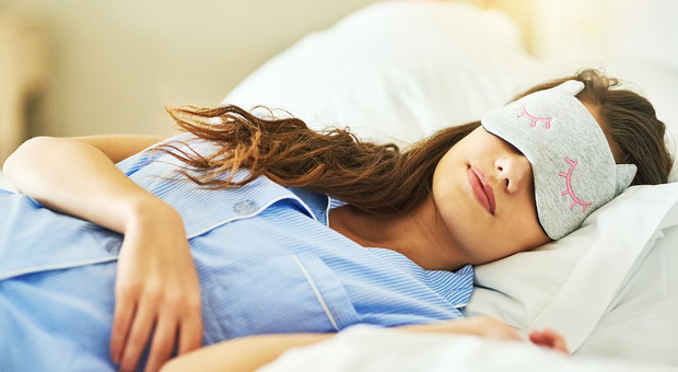 Beauty sleep, dormire ti fa bella: ecco perché questo è il periodo d'oro per le donne