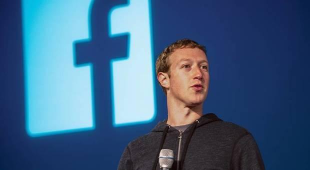 Facebook, la commissione parlamentare britannica convoca Mark Zuckerberg