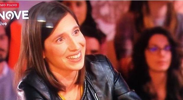 """Elly Schlein a Daria Bignardi sulla """"9"""": «Ho amato uomini e donne, ora sono fidanzata con una ragazza»"""
