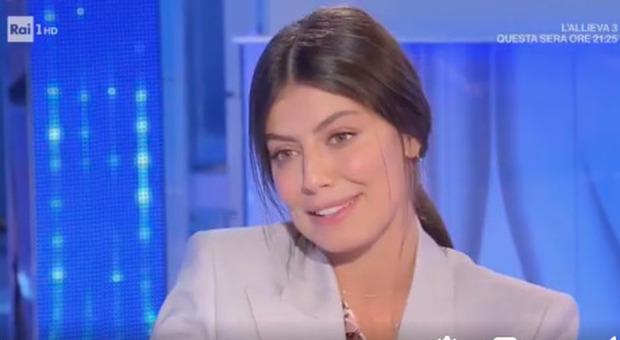 Domenica In, Alessandra Mastronardi: «Fidanzato? L'ho conosciuto su Skype». E poi la battuta su Lino Guanciale