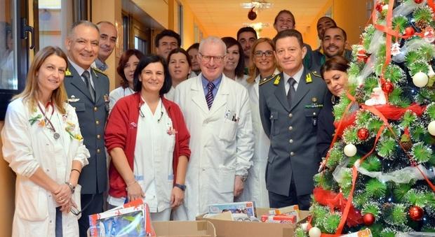Omaggio di Natale, dalle Fiamme Gialle nuove apparecchiature per i piccoli pazienti del Grassi