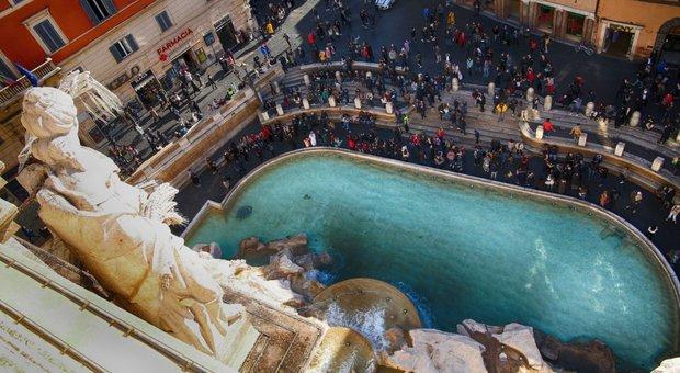 Fontana di Trevi vista dall'alto: apre la terrazza di palazzo Poli
