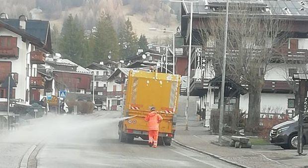Cortina si allarga il contagio: sanificate le strade