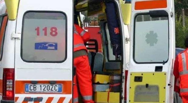 Bimbo di 9 anni travolto da un'auto guidata da un 88enne a Lecco: il piccolo è in fin di vita