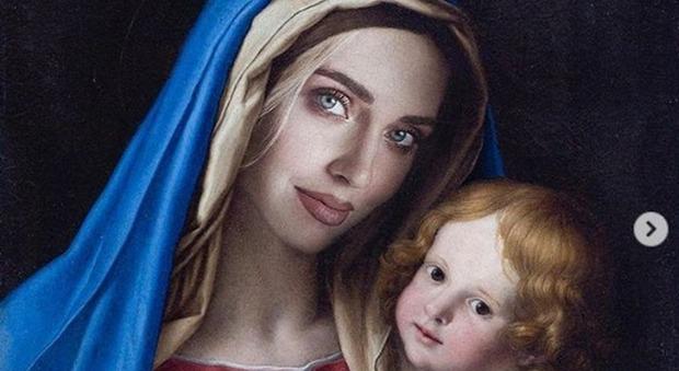 Chiara Ferragni come la Madonna su Instagram, il Codacons la denuncia per blasfemia