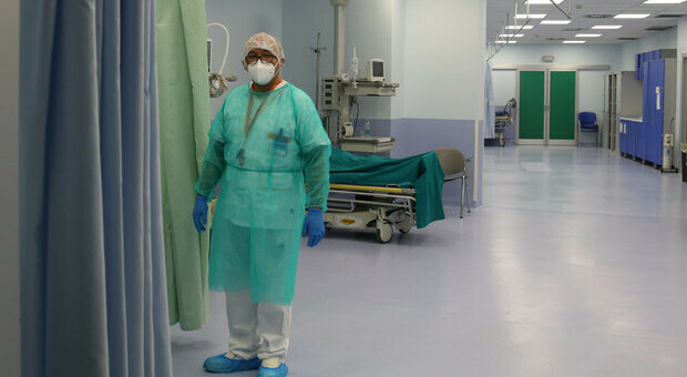 Riapre il reparto covid dell'ospedale: nuovi ricoveri, anche un 50enne