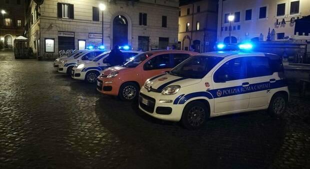 Roma, in 100 a ballare senza mascherina e senza distanza: chiuso un locale in centro