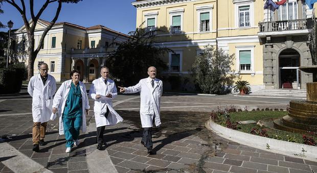 L'altra vita della coppia di Wuhan guarita allo Spallanzani: «Incubo finito, visiteremo Roma»