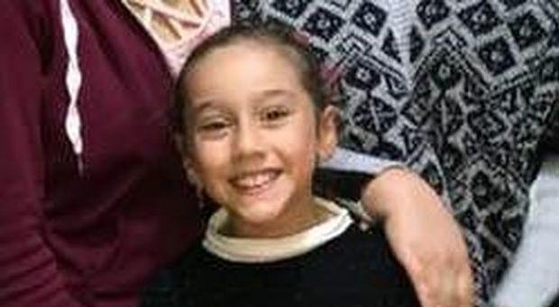 Carola muore a 9 anni per un aneurisma cerebrale, i genitori donano i suoi organi: «Aiuterà 8 bimbi»