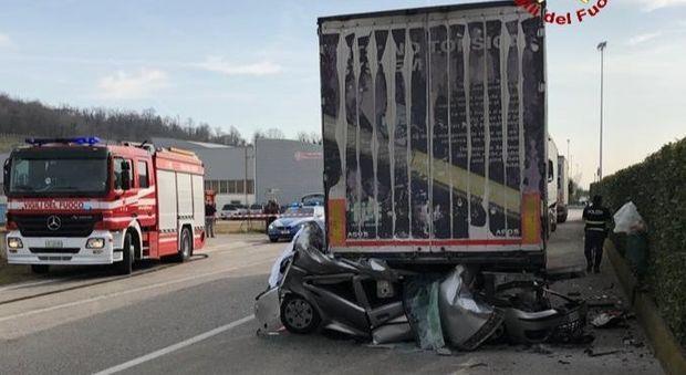 Una scena dell'incidente di oggi a Fara Vicentino