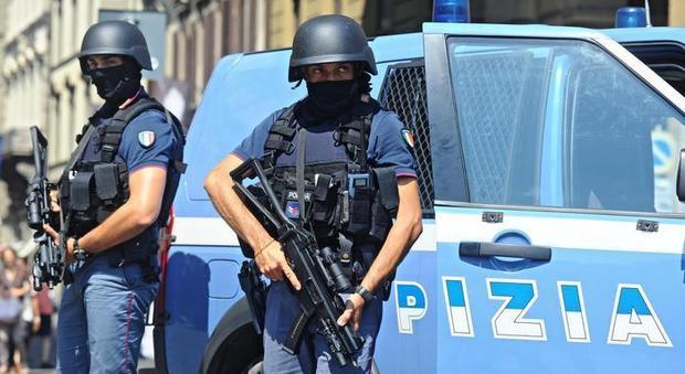 Terrorismo a Roma, ricercato un siriano. Al telefono: «Domani andrò in paradiso»