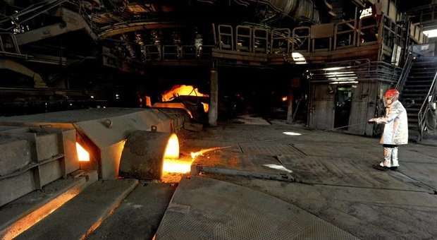 ArcelorMittal, Conte prova l'ultima mediazione (ma prepara il piano B). Allarme dei sindacati