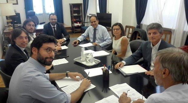 Governo, il programma light di M5s e Pd: no aumento Iva, rinvio sulla giustizia