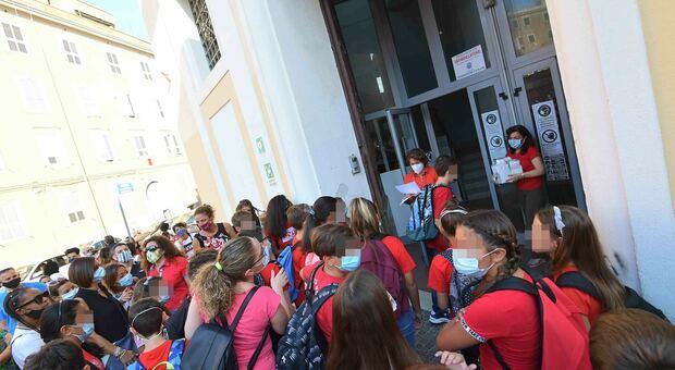 L'ingresso degli studenti alla Manzi: le norme da seguire in tutti gli istituti in caso di sintomi sospetti
