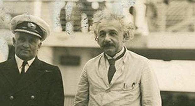 Albert Einstein con il capitano del Belgenland II, 1930