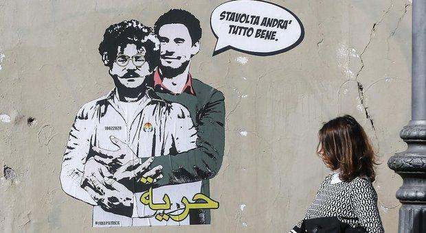 Il murales dell'artista Laika che raffigura Giulio Regeni insieme a Patrick Zaki in via Salaria, vicino all'ambasciata egiziana