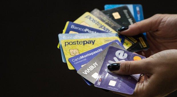 Manovra, ecco la lotteria per chi paga con carta o bancomat