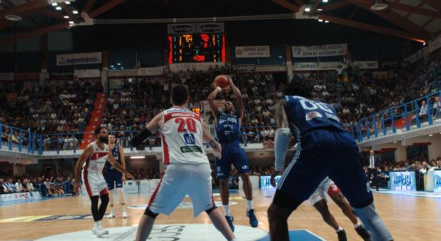 Grande prova di Happy Casa, i brindisini battono il Pesaro 88-73