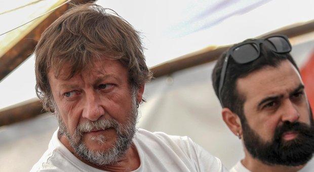 Mare Jonio, indagato il capo missione Luca Casarini: favoreggiamento dell'immigrazione clandestina