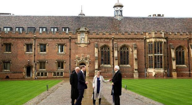 Regala 114 milioni di euro all'Università di Cambridge: è la donazione più generosa di sempre