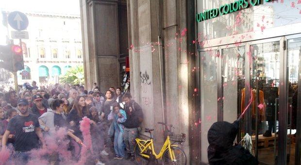 Cori contro Salvini, vetrine imbrattate e traffico in tilt: studenti in corteo a Milano contro