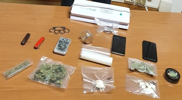 Civitanova, hashish, marijuana e cocaina nella dispensa del cuoco: 35enne in manette