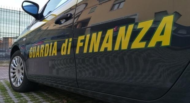 Padova, la Guardia di Finanza scopre frode fiscale in un'azienda che produce le borse O bag