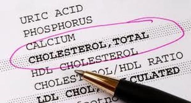 Colesterolo, è alto per un italiano su tre e chi è in terapia si cura male