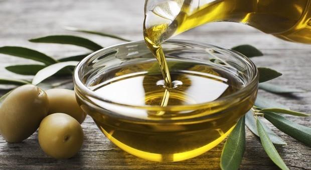 Tumori, l'olio extravergine d'oliva aiuta a prevenire la malattia